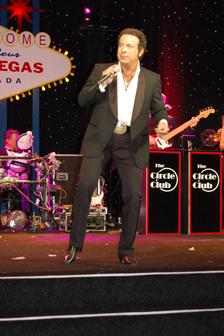 Wassup Pussycat With Tom Jones Themed Las Vegas Wedding
