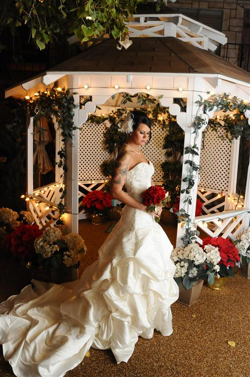wedding at the outdoor gazebo