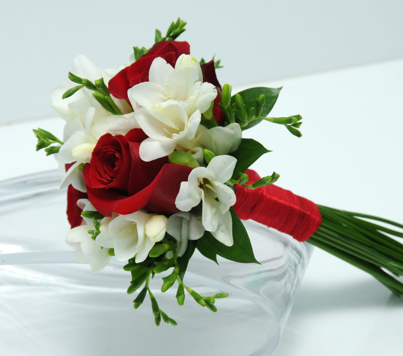 Viva las vegas wedding chapels gorgeous wedding flowers bouquets 3 rose bouquet freesia red mightylinksfo