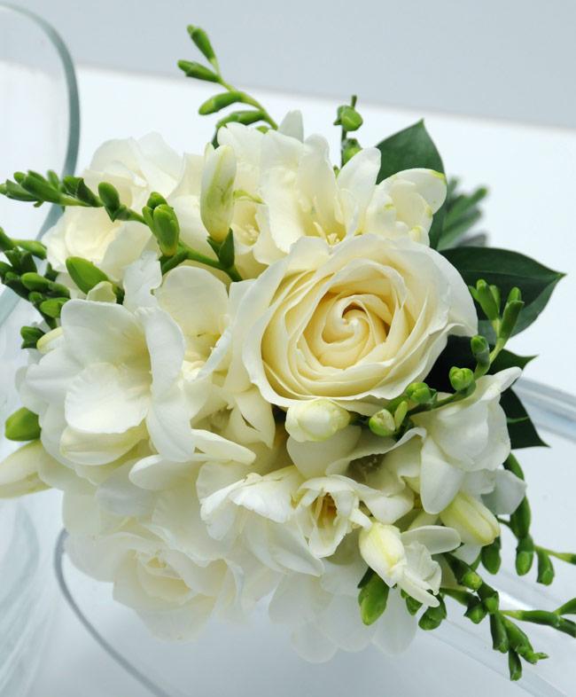 Viva las vegas wedding chapels gorgeous wedding flowers bouquets 3 rose bouquet freesia white mightylinksfo