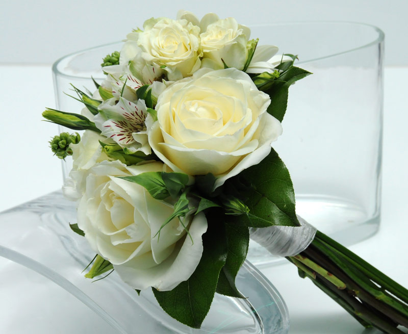 3 rose bouquet garden white - Garden Rose Bouquet
