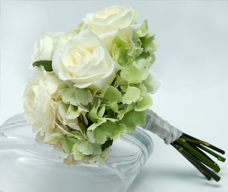 3 rose bouquet hydrangea white - Garden Rose And Hydrangea Bouquet