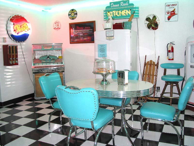 Elvis wedding in our doowop diner a unique wedding chapel for 50 s style kitchen designs