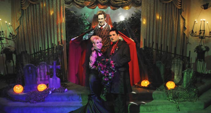 Themed Las Vegas Weddings | Dracula's Tomb Themed Wedding Package
