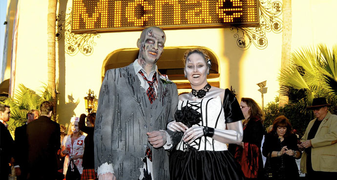 themed las vegas weddings the viva las vegas gothic themed wedding
