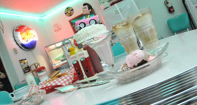 Doo Wop Diner Reception by Viva Las Vegas Weddings
