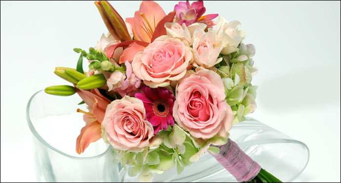 In addition to gorgeous bridal bouquets we specialize in wedding