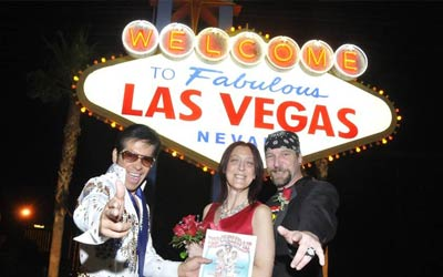 Las Vegas Sign Wedding Package