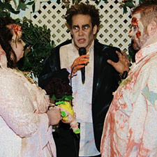 Themed las vegas wedding packages elvis weddings in las for Crazy las vegas weddings