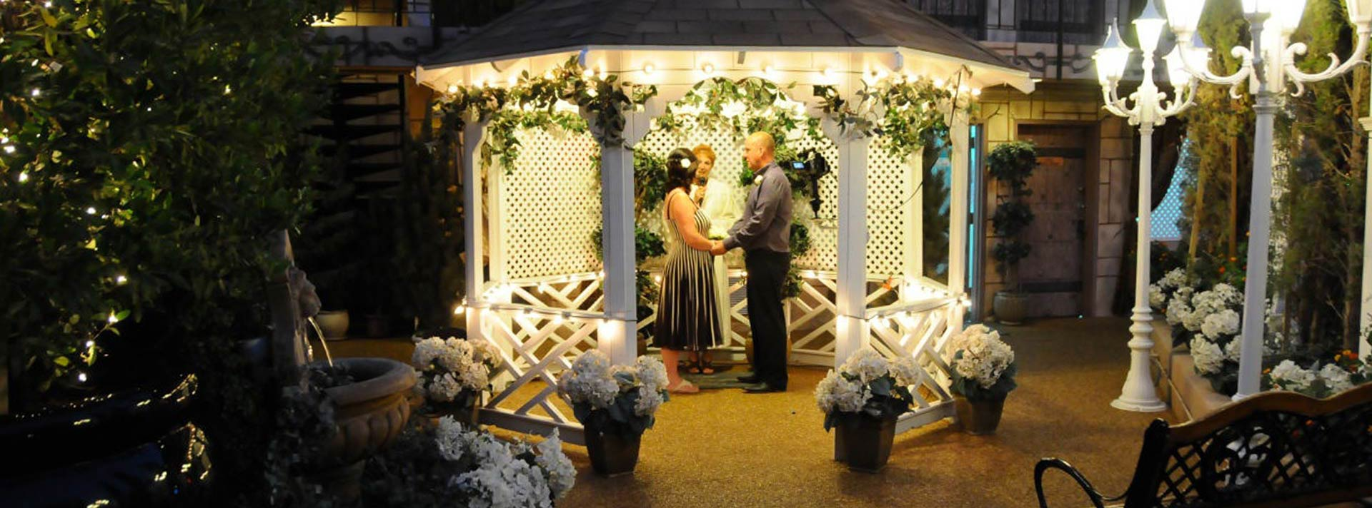 Wedding venues in las vegas nv garden chapel gazebo chapel for Best wedding chapels in vegas