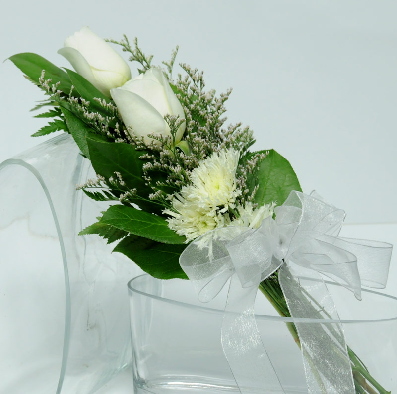 Two Rose Presentation (White)