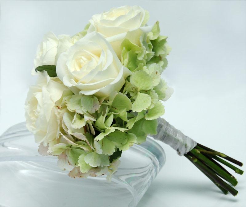 3 rose bouquet hydrangea white - Garden Rose And Hydrangea Bouquet