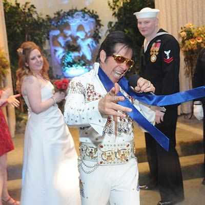Elvis Impersonator (Roland)