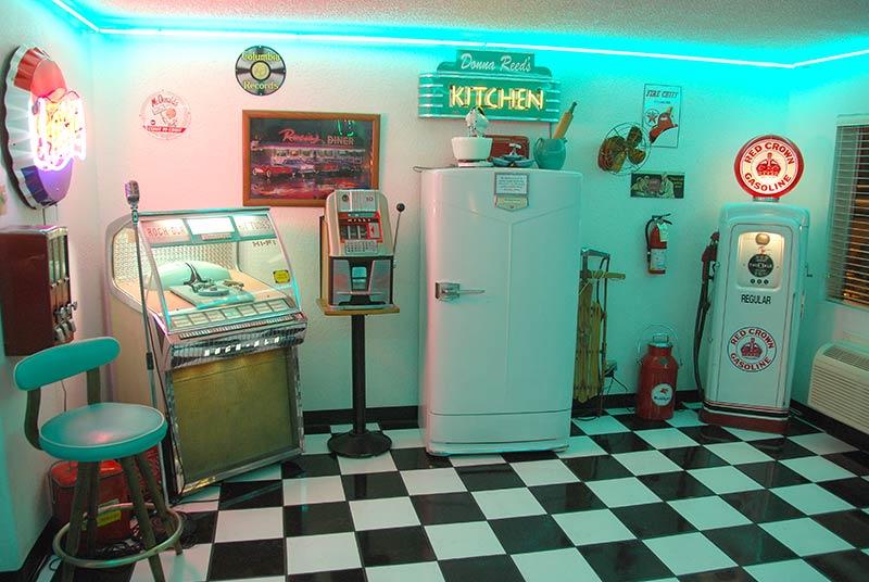 DooWop Diner Vintage Wedding Chapel   Las Vegas Wedding Chapels