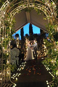 Viva Las Vegas Weddings Chapels - The Garden Chapel