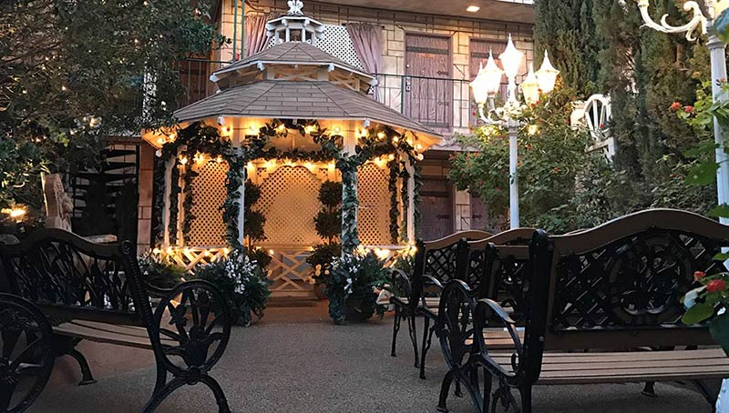 The gazebo chapel at viva las vegas wedding chapel for Outdoor vegas weddings