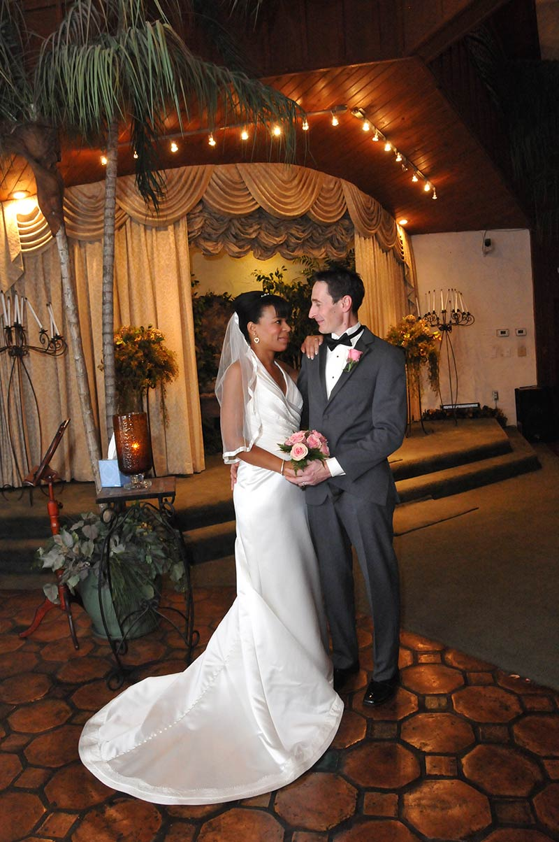 About viva las vegas wedding chapel las vegas nv 89104 for Los vegas wedding packages