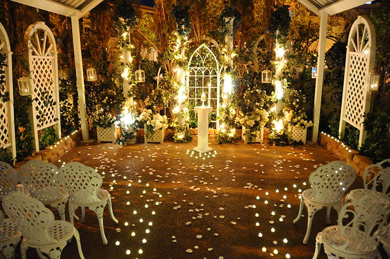 Viva Las Vegas Weddings Chapels - Twilight Garden Wedding Package