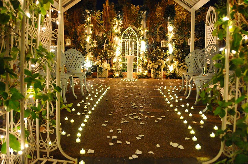 Las vegas weddings feel like a princess fairytale las for Outdoor vegas weddings