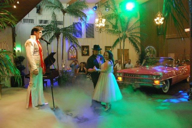 Themed Renewal Of Vows In Las Vegas Vivalasvegasweddings Com