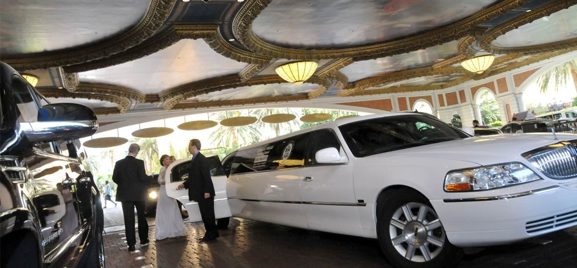 limo-service-viva-las-vegas-weddings