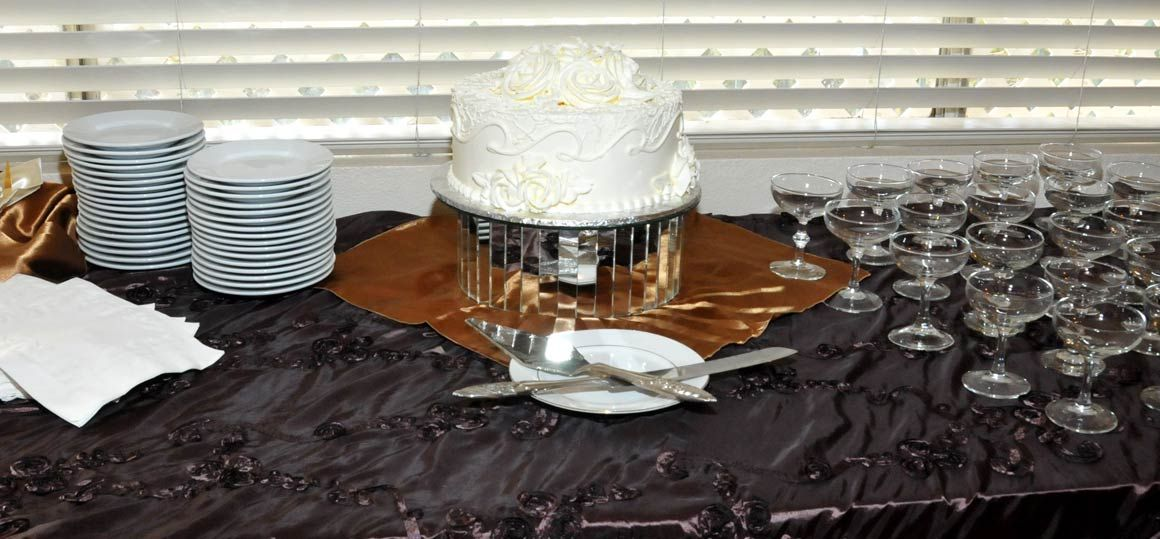 honeymoon-suite-wedding-cake