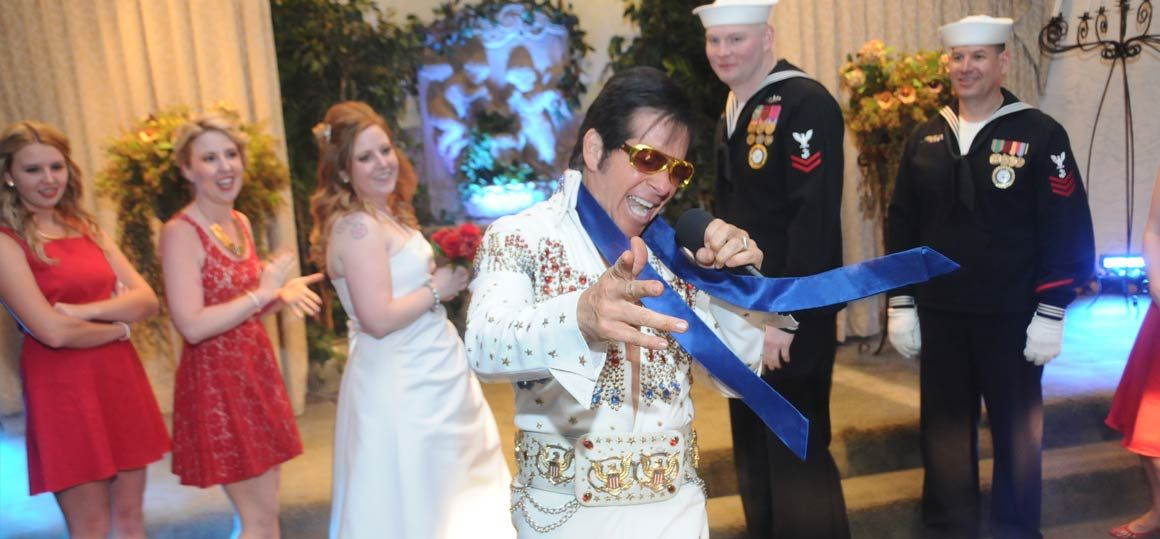 Viva Las Vegas Wedding Chapels The Devil In Disguise Wedding